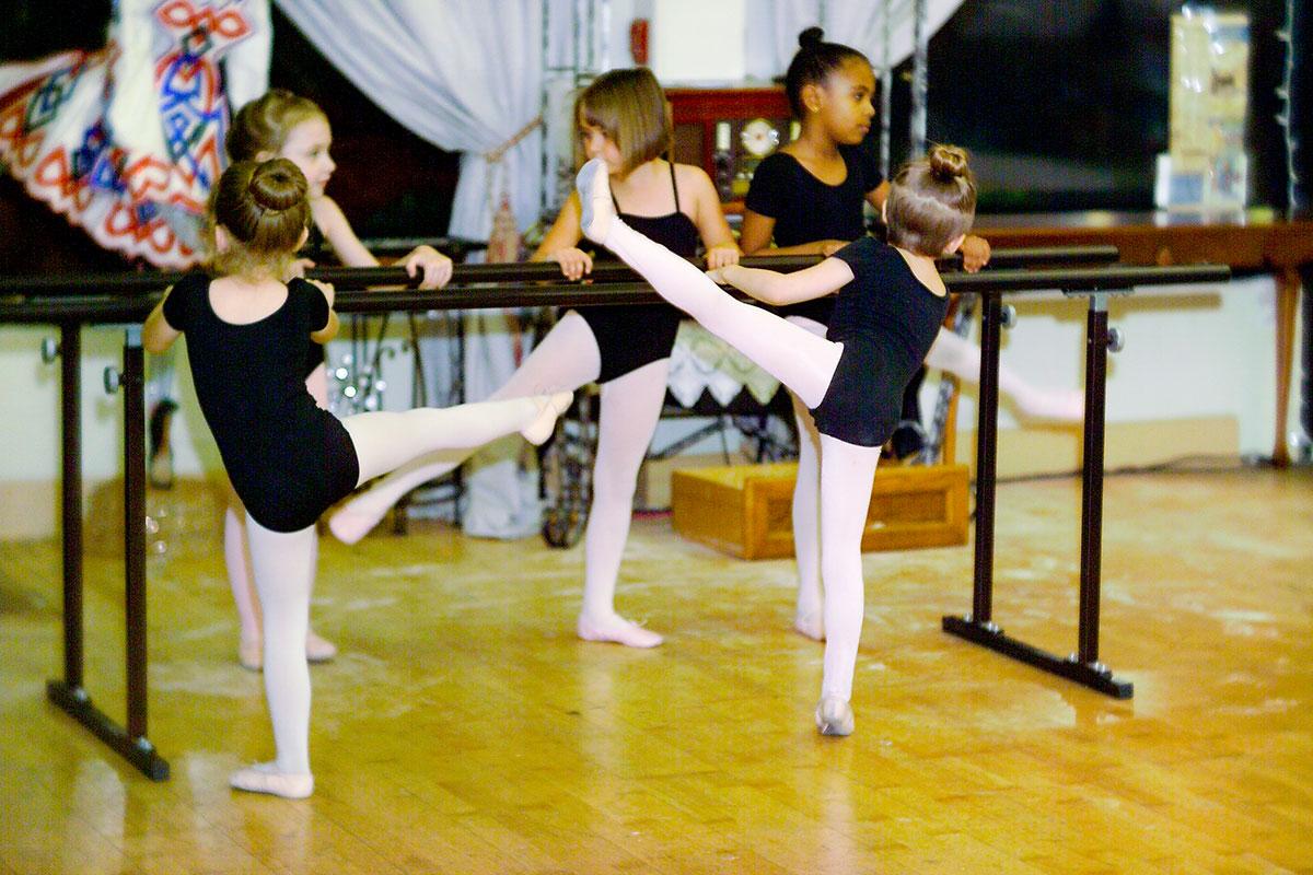 ballerinas stretch